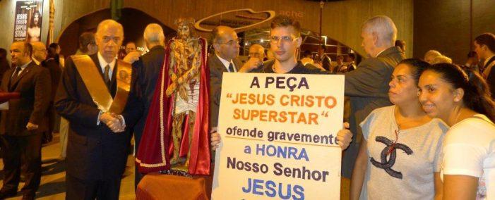 Na Sexta-Feira Santa, protesto contra peça blasfema e reparação a Nosso Senhor Jesus Cristo