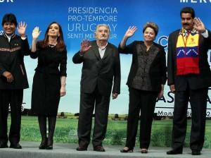 Dilma Rousseff com presidentes que seguem a cartilha bolivariana de Hugo Chávez