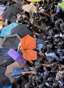 """""""Revolução dos guarda-chuvas"""" não aceita os """"dois ou três"""" candidatos mais ou menos idênticos oferecidos pelas artimanhas políticas do Partido Comunista"""