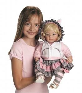 """Uma """"espécie em extinção"""": a boneca tradicional para as meninas..."""