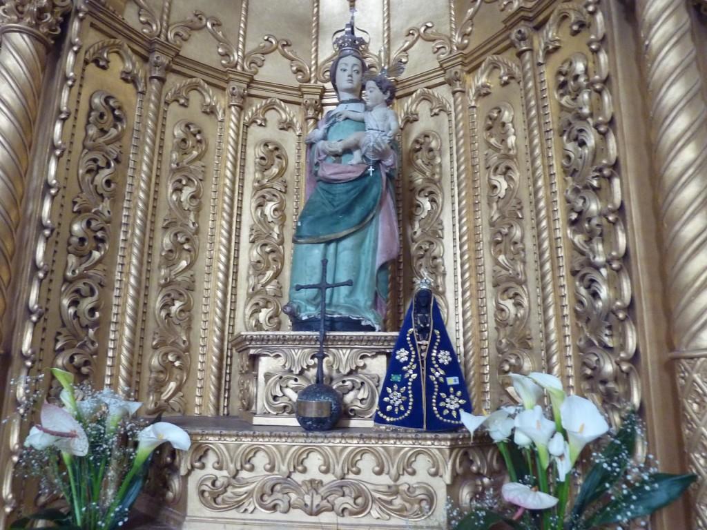 Réplica da imagem da Nossa Senhora da Esperança que veio na caravela Anunciação, de Pedro Álvares Cabral, quando o Brasil foi descoberto. Esta réplica é venerada na igreja de Nossa Senhora da Esperança, no Jardim Novo Mundo, na capital paulista.