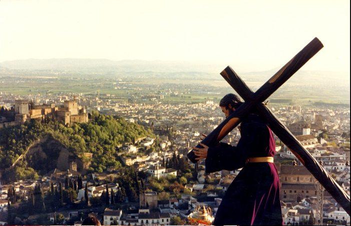 """A Misericórdia de Deus """"se estende sobre aqueles que O temem"""""""