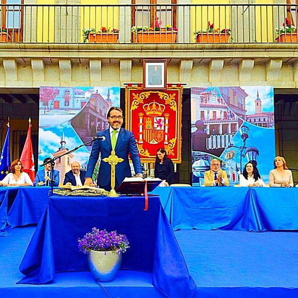 Prefeito espanhol só fez o juramento na presença do tradicional crucifixo
