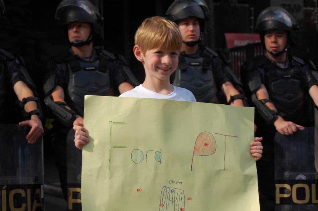 Manifestações contra PT