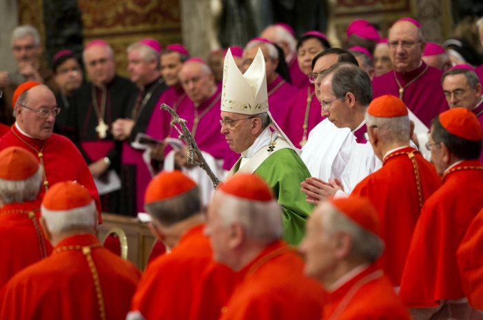 Novos aderentes pedem ao Papa solene declaração a fim de tirar o Sínodo do impasse