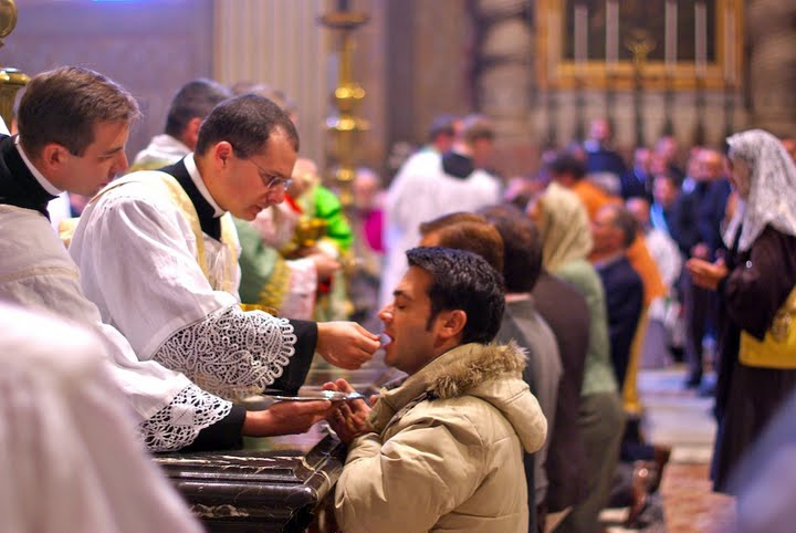 A situação vai ficando cada vez mais difícil para aqueles que desejam  permanecer fieis ao Magistério tradicional da Igreja