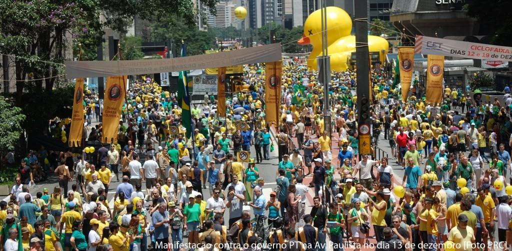 Manifestação contro o governo PT na Av. Paulista no dia 13 de dezembro [Foto PRC]