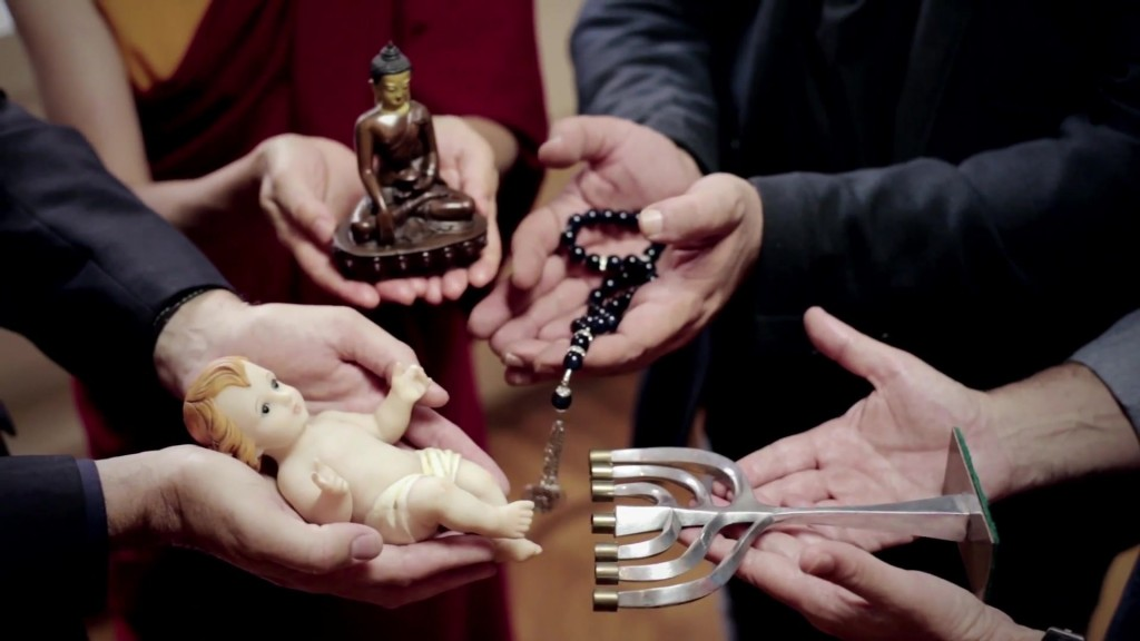 """Em 6 de janeiro último, foi difundida em todas as redes sociais do mundo, uma videomensagem do Papa Francisco dedicada ao diálogo interreligioso, onde católicos, budistas, judeus e muçulmanos parecem colocados no mesmo plano como """"filhos de (um) Deus"""""""