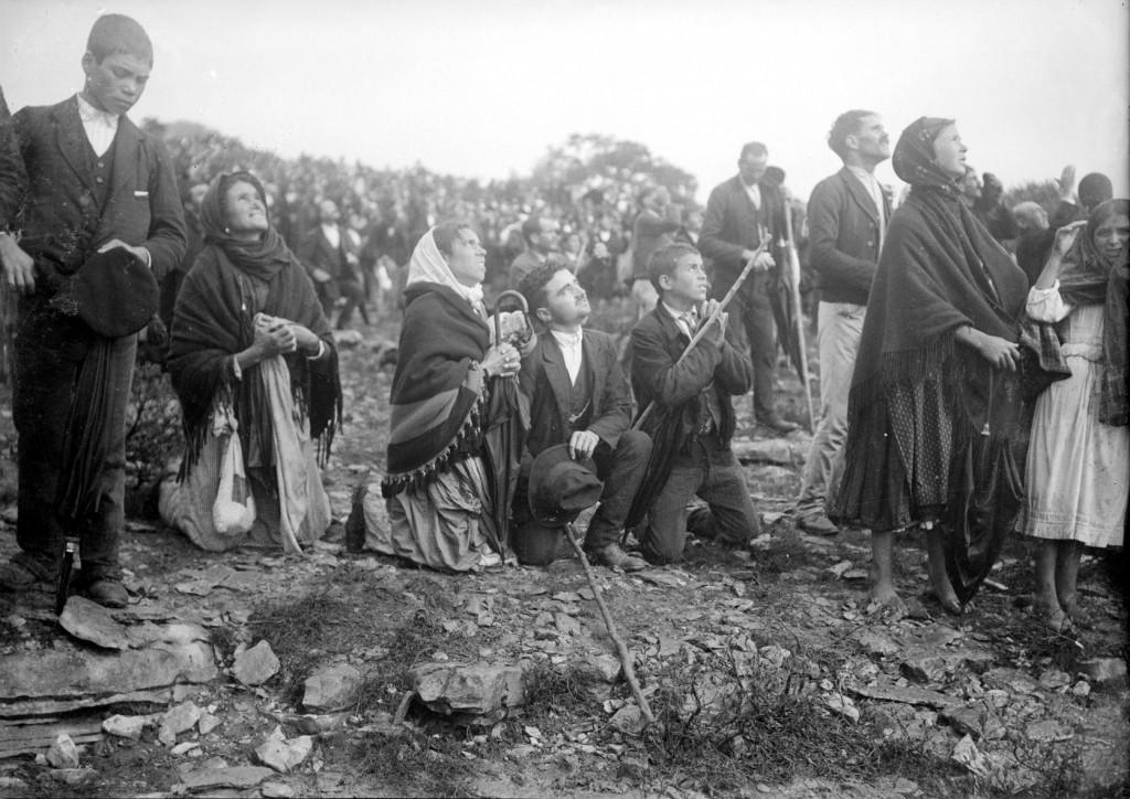 """Em Fátima, em 13 de outubro de 1917, 70 mil portugueses testemunharam o """"milagre do sol"""""""
