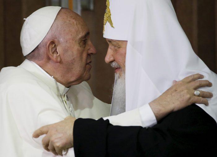 "O ""histórico encontro"" entre Francisco e Kirill"