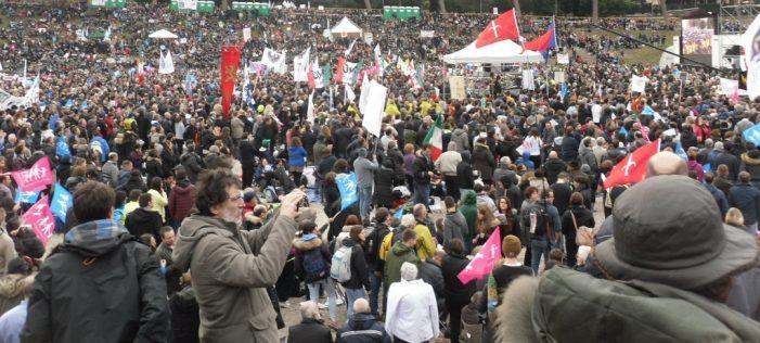 """ROMA — Monumental manifestação no """"Dia da Família"""" contou com 2 milhões de participantes"""