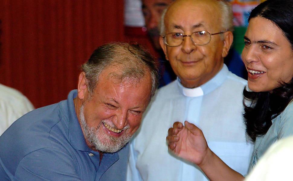 Stédile, chefe do MST, com o bispo Dom Tomás Balduíno
