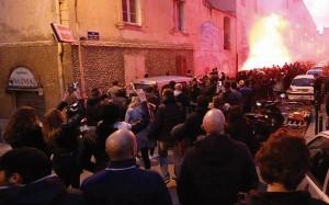 Protestos anti-árabes em Ajaccio, capital da ilha da Córsega