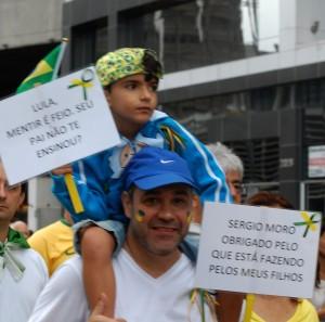 Manifestação contra o PT