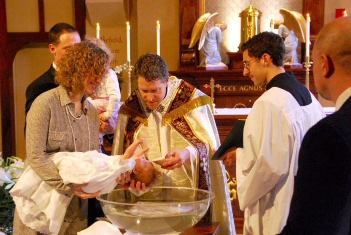 A sublimidade da Igreja em dois cortejos