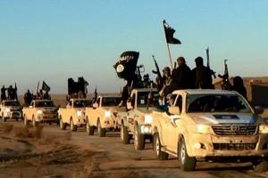 """Militantes do """"Estado Islâmico"""" numa ação terrorista"""