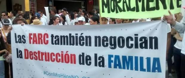 As FARC também negociam a destruição da família