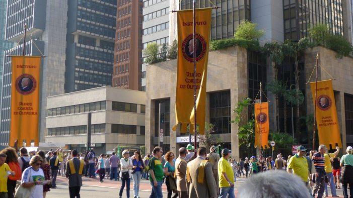 Manifestação pela aprovação do impeachment da petista Dilma Rousseff