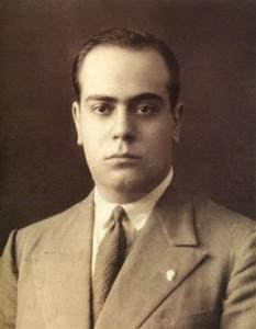 Plínio Corrêa de Oliveira em foto de 1933, quando deputado Constituinte por São Paulo, atuando na Assembleia Constituinte de 1933/1934