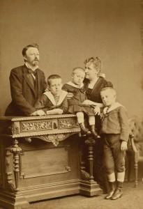 A Princesa Isabel se casou com o Conde d´Eu, neto do rei dos franceses, Luis Felipe
