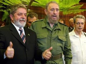 [na foto ao lado, à esq. de Fidel Castro]