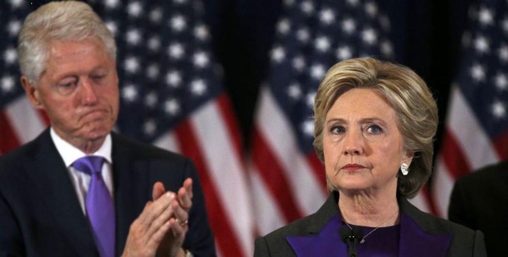Nem precisa dizer que, a julgar pela fisionomia do casal Clinton, trata-se da foto do momento em que Hillary reconheceu sua derrota nas recentes eleições