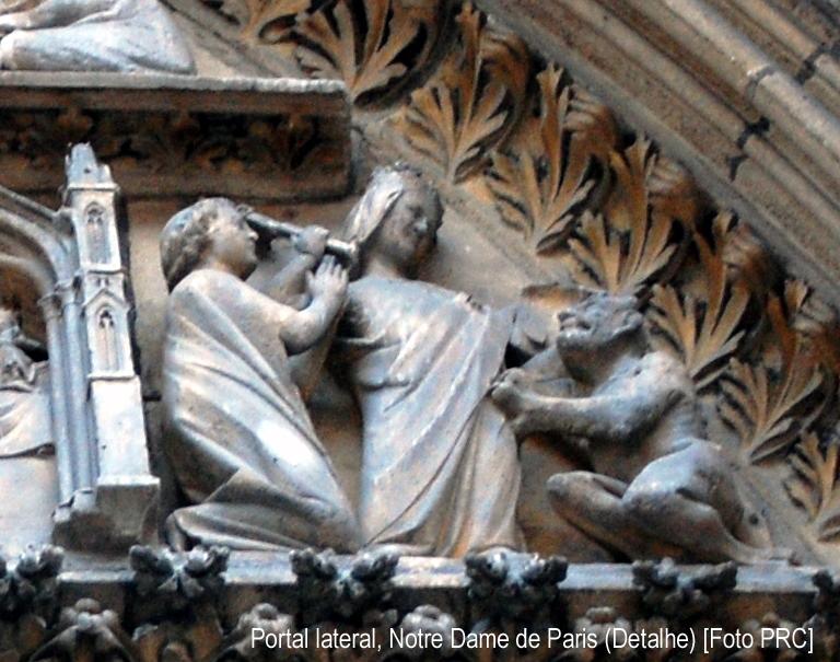 Detalhe da escultura. Nossa Senhora expulsa o demônio que tinha tomado posse do monge Théophile.