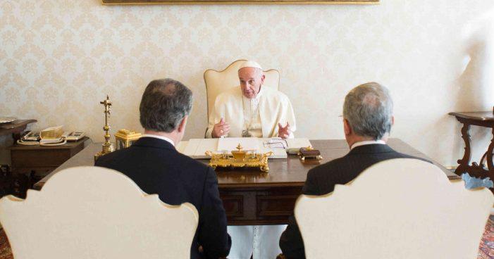 COLÔMBIA: Pressão do Papa Francisco e legítima resistência