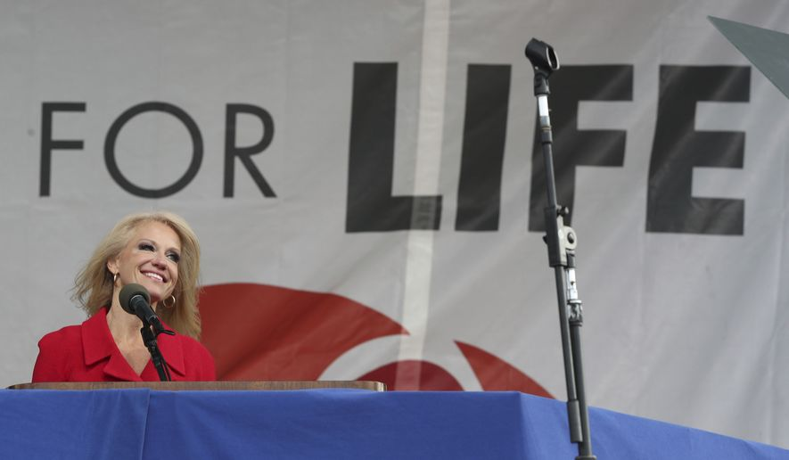 Kellyanne Conway discursando durante a March For Life no dia 27 último