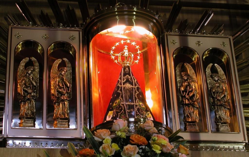 No carnaval, sacrílego vilipêndio a Nossa Senhora Aparecida