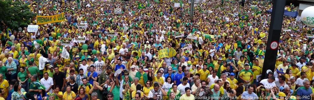 Em ação a implacável guilhotina da Patrulha Ideológica contra os aspectos conservadores da opinião pública brasileira