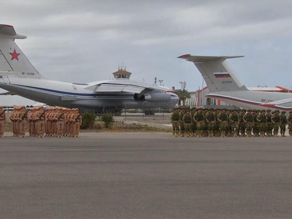 """""""Soldados fantasmas"""" afirmaram terem sido transportados em aviões do exército russo"""