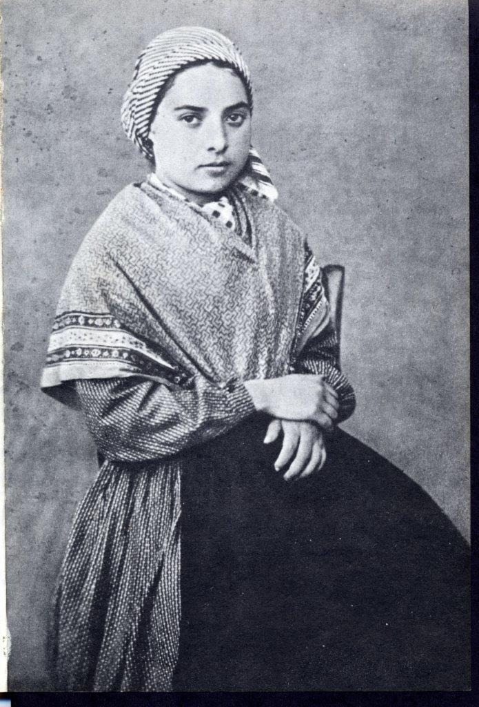 Uma das primeiras fotografias de Santa Bernadette Soubirous, com aproximadamente 16 anos