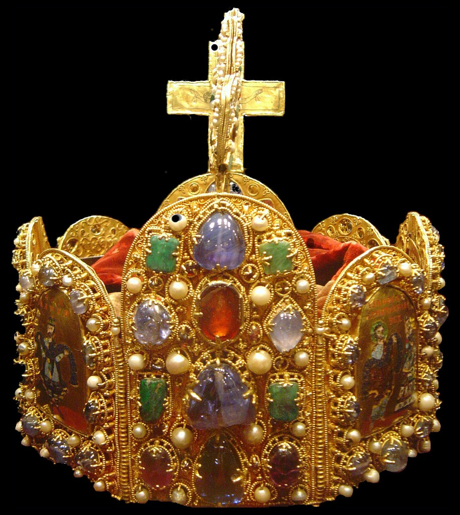 Coroa do Sacro Império Romano Alemão. Atualmente exposta na Schatzkammer (no Tesouro do Palácio Imperial de Hofburg) da capital austríaca.