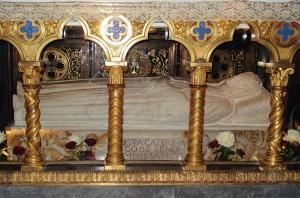 Sarcófago de Santa Catarina de Siena, no altar mor da Igreja Santa Maria sopra Minerva, ?Roma