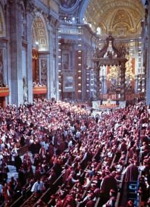 Participantes do Concílio Vaticano II, na Basílica de São Pedro, em Roma