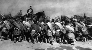 Nicolau II, Czar russo, abençoa as tropas