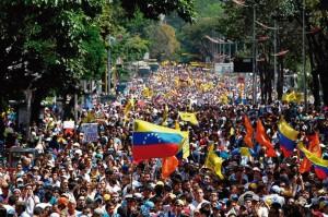 Venezuelanos em protesto contra o governo bolivariano