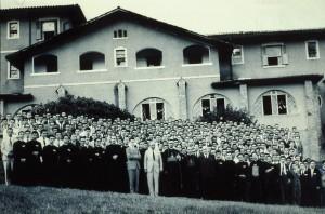 Catolicismo (1961), em Serra Negra (SP). Na época representou um grande sucesso, tendo a ele comparecido cerca de 400 pessoas.