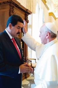 Na última visita de Maduro ao Vaticano, já no meio da crise interna na Venezuela, o Papa Francisco lhe deu seu apoio