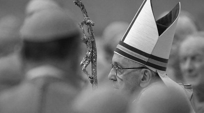 """Clérigos e acadêmicos enviam """"correção filial"""" ao Papa"""