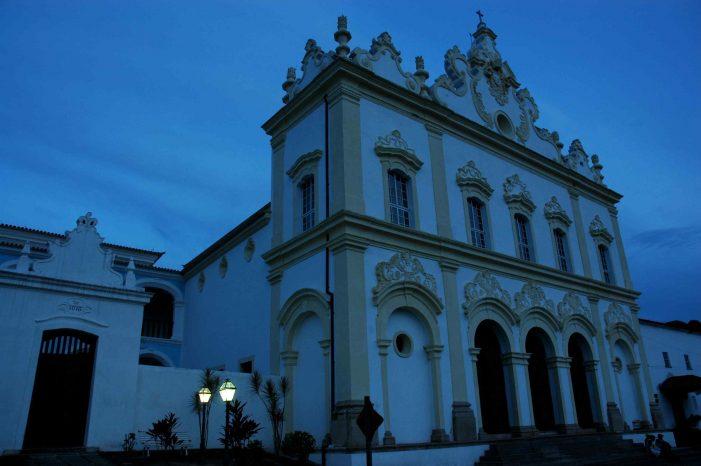 Na Bahia barroca, um Brasil autêntico que se foi…