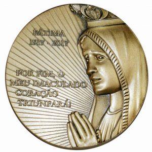 Medalhão comemorativo do Centenário de Fátima, oferecido aos participantes