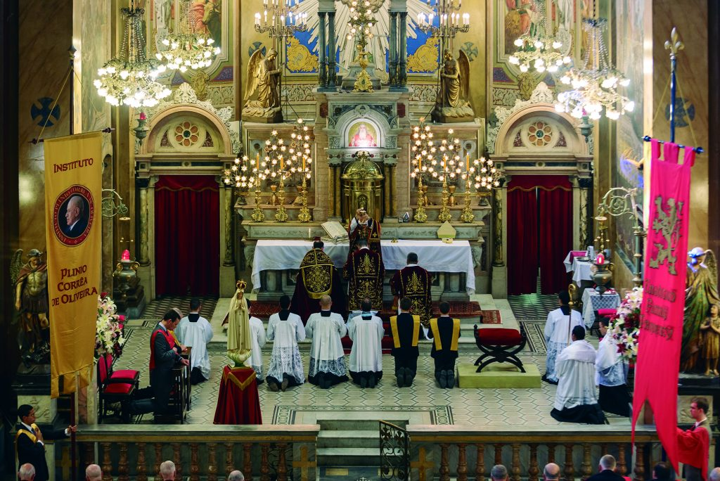 Missa Pontifical na Igreja do Sagrado Coração de Jesus