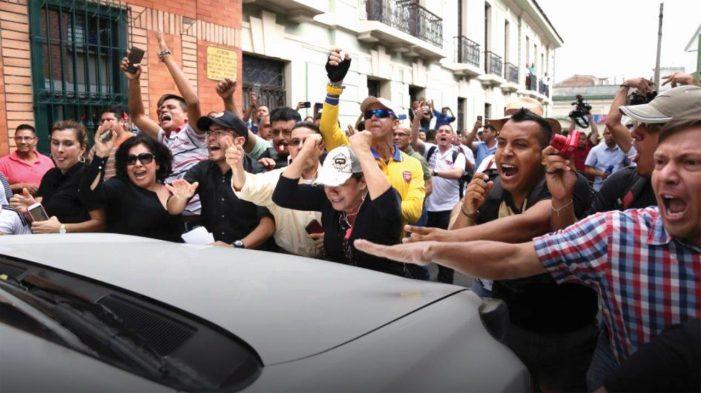 A Colômbia rechaça as FARC