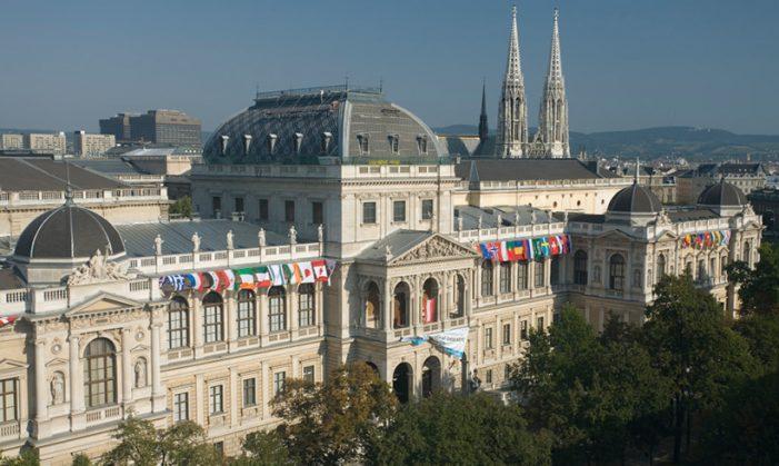 Universidade de Viena nega suas origens