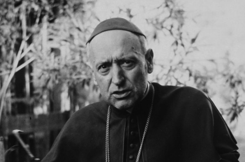 Esse martirizado prelado não dobrou os joelhos diante da tirania vermelha e resistiu admiravelmente à Ostpolitik vaticana de aproximação com os regimes comunistas.