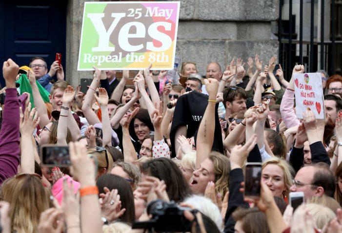IRLANDA — Aprovada a diabólica prática do aborto