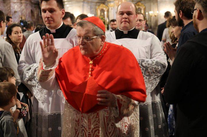 Concorrida conferência do Cardeal Burke na Eslováquia