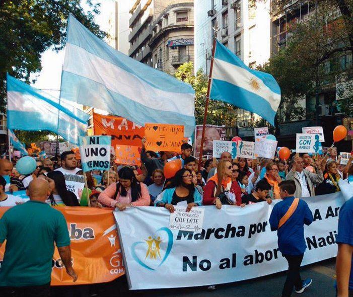 Em mais de 200 cidades, argentinos dizem NÃO ao aborto